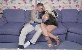 Filmiki Porn - Bridgette B, Całowanie
