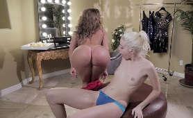 Erotyk Darmowe Filmy - Chloe Couture, Richelle Ryan, Dwie Dziewczyny