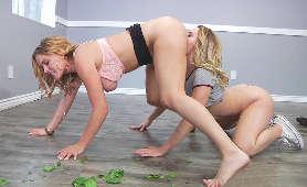 Darmowe Filmy Erotyki - Krissy Lynn, Aubrey Sinclair, Klapsy Na Pupę