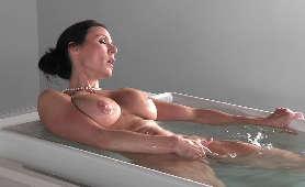 Darmowe Filmikiporno - Kendra Lust, Sex W Wannie