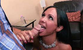 Darmowe Filmiki Porno Tv - Jewels Jade, Walenie Konia Cyckami
